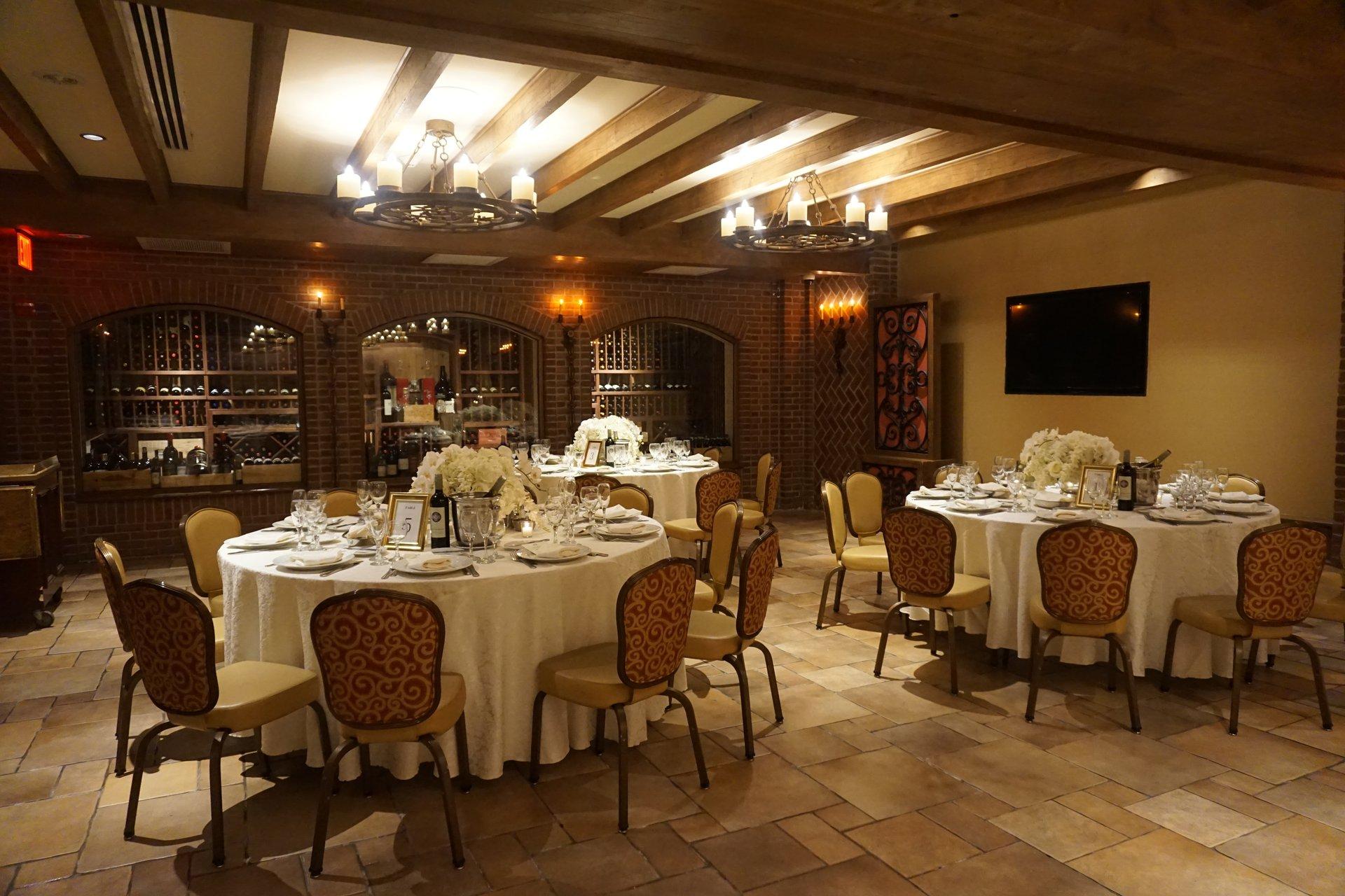 Wine Cellar Vetro Restaurant Lounge