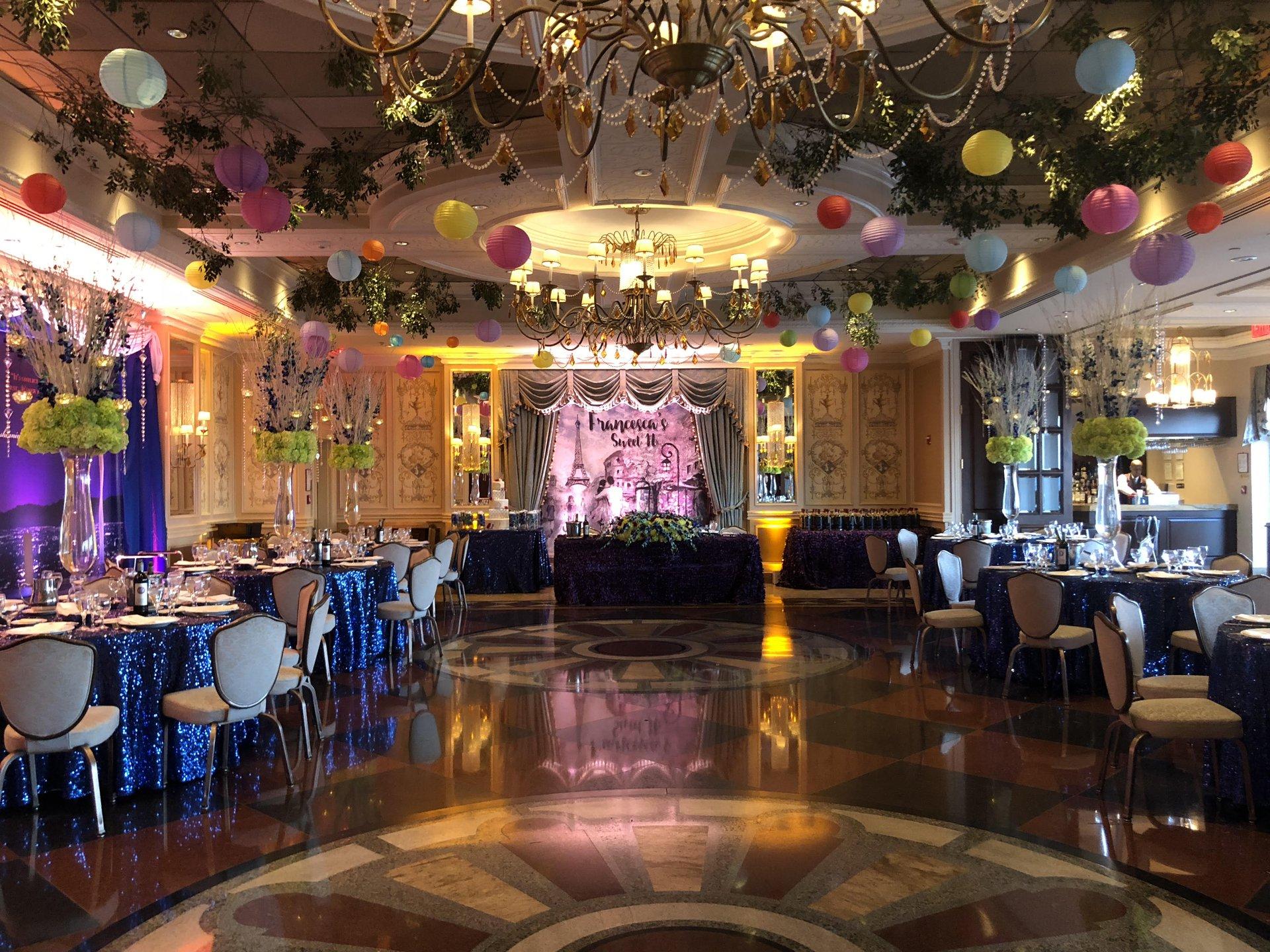 The Murano Vetro Restaurant Lounge